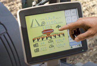 agricultura de precisión 01_ams_displays_08_11_1_r2b003861_mod_762x458