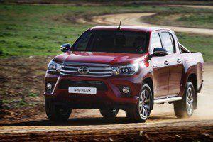 Toyota-Hilux-2016-2017-Equipamiento-Versiones-y-Precios-01